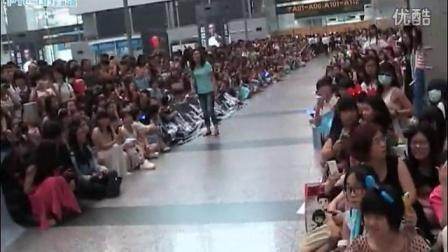 140615 朴有天 广州白云机场返韩送机