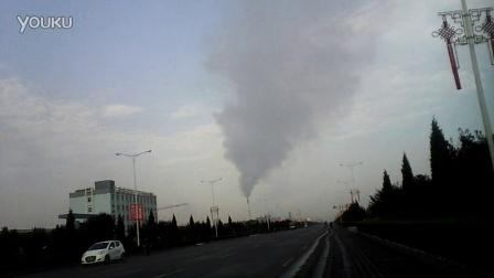 山西省临猗县丰喜化肥厂,一天二十四小时排放不停,看看这片天