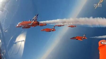 皇家空军红箭飞行表演队训练 - 红箭9号机座舱视角