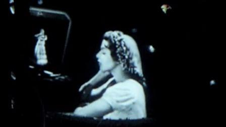 迪奥 Miss Dior 展览 22: 视频装置《西红柿和恰恰都别碰我》18