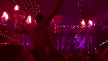 2016超强麻醉!欧洲大型户外万人DJ电音派对嗨爆全场第32集