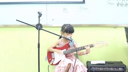 吉他弹唱 La isla bonita -天才无敌张笑若-7岁女孩电吉他自弹自唱