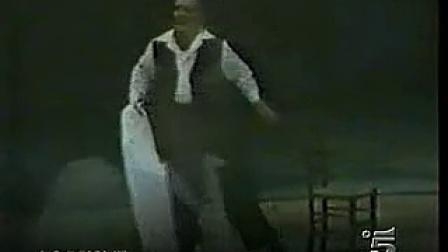 缅怀大师 卡洛 贝尔贡齐演唱雷翁卡伐洛歌剧《丑角》穿上戏袍