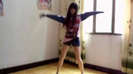 爱跳舞的美女 自拍热舞[高清]