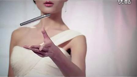 【廖丰臣视频】禁播美女脱光 包括内衣和胸罩