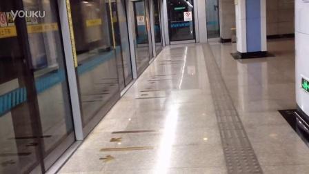 8号线(22|四平路往沈杜公路末班车进站)