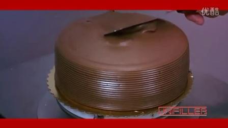 全自动机器制作裱花蛋糕