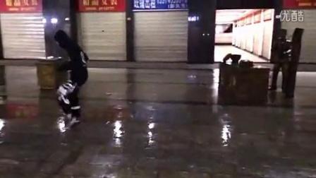 湘西PZS梦魅雨中的爆走