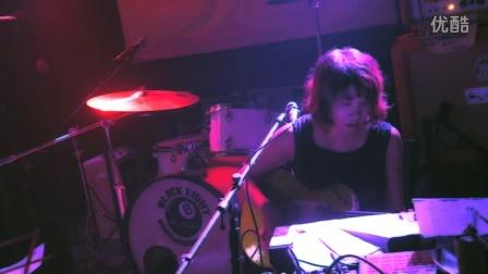 Yang Fan 杨帆 - Afraid (School Bar 03.08.2014)