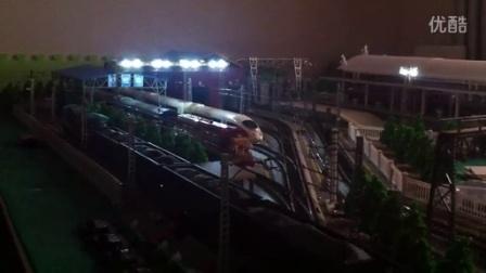"""""""济南新东站""""火车沙盘系列之""""ND5牵引货列过段夜景"""