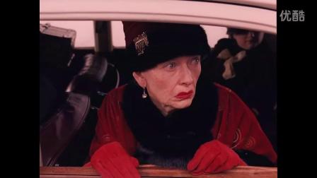 《布达佩斯大饭店》片段:经理费因斯魅力大 贵妇着迷不愿走