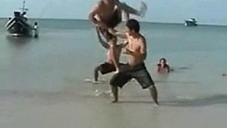 杰里米Corbell和他的量子柔术学生在泰国的海滩上表演_标清