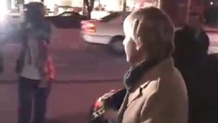 Ellen & Portia leaving Madeo 2008.12.21