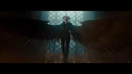 《沉睡魔咒》精彩片段:仙女玛琳菲森重获双翼