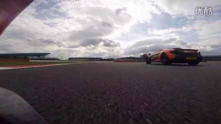 McLaren P1 v.s BAC Mono 赛道追逐战