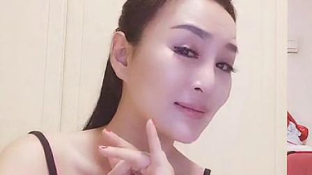 美女自拍翻唱粤剧 韵味成熟