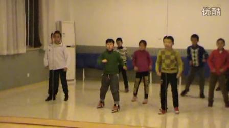 20131129195300跳舞