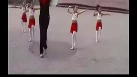 0001.奇艺网-儿童舞蹈《加油操》幼儿园舞蹈教学视频[高清版]
