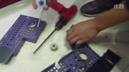 四口麻将机电机皮带轮子更换方法