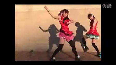 【宅男女神】黑丝短裙可爱萝莉小姐妹_火辣热舞