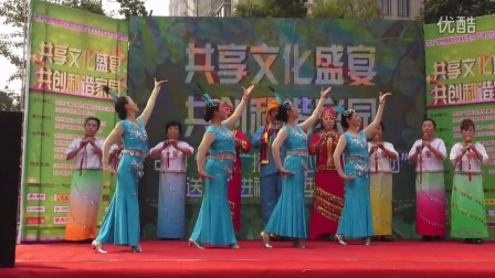 葫芦丝伴舞:月光下的凤尾竹