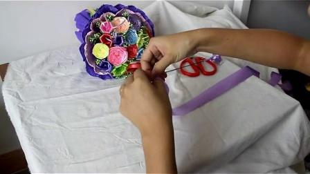 塑料彩带如何折花 五角星 菱角 玫瑰 喇叭花