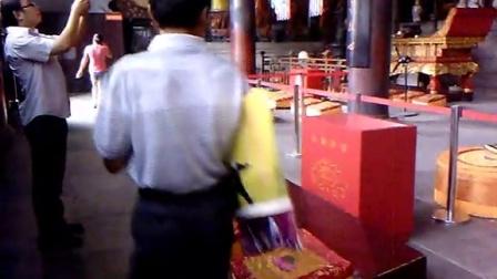 视频记录儿子的成长历程:2013年8月常州天宁寺