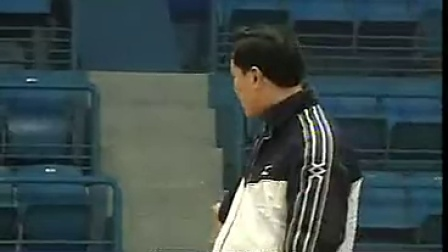 排球教学视频33 防守训练、进攻战术、跳发球