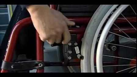 蓝丝带助残服务-5轮椅上下汽车