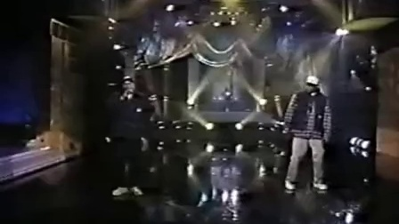 Dr. Dre & Snoop Doggy Dogg - Nuthing But a G Thang (The Arsenio Hall show 1993)