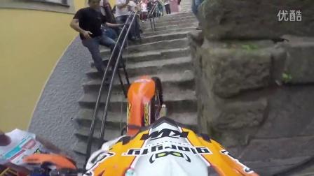 越野摩托车耐力赛之穿过城市