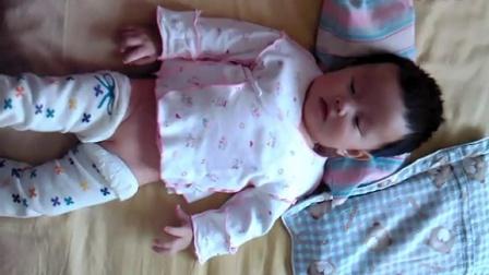 宝宝成长第二个月