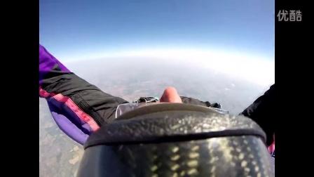 惊恐:跳飞机那一刹那绳子没解开
