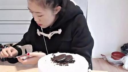 YY主播立夏【2014年11月1日 直播吃蛋糕视频】