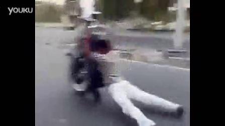 开挂阿三哥玩命骑摩托 bud工作室_标清