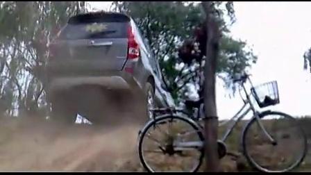 福迪汽车 越野性能——爬坡及沙地行驶!_高清