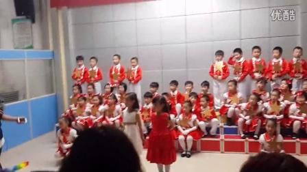 贵溪三中一年级二班合唱《我爱北京天安门》))