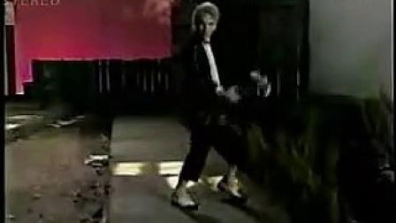爆笑西方牛人 恶搞模仿 MJ 迈克尔杰克逊经典歌曲《BJ》MV!超搞笑!巨雷_标清