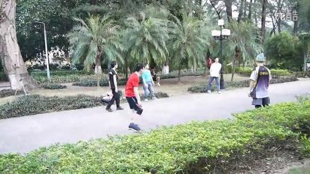 人毽人爱之广外围毽 141116 B 踢毽子 毽球 毽子对踢 毽子高手