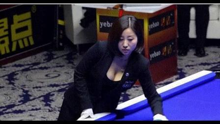 台球美女裁判吕帅希微博照片走红