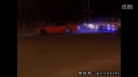 这下玩大了!!《东京漂移》真实版马路上玩漂移被拦腰碰撞!
