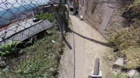 GoPro:Kelly McGarry塔斯科市下坡骑行赛