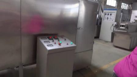 面包糠生产线  面包糠加工设备  面包霄双螺杆膨化机  济南双螺杆膨化机械厂家