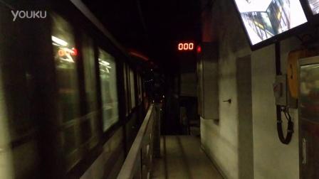 10号线(263/1012车四平路往新江湾城方向起步)