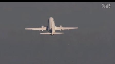 实拍德国民航客机爬升撞上了一群鸽子