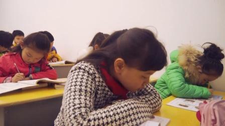 海峰导演大型系列儿童剧《为什么不上学?》第一集剧情《圣诞礼物》