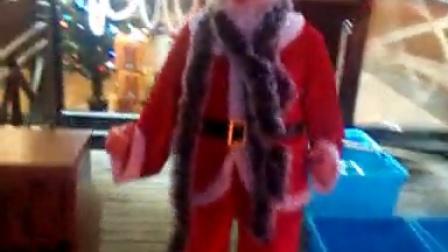 会跳小苹果的圣诞老人