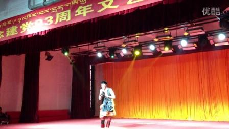 那曲索县的青年歌手(尼玛崩甲) 康巴汉子
