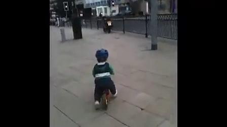 PUKY平衡车对于帮助宝宝掌握平衡能力及提升自行车骑行平衡的巨大帮助