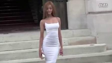 足球本泽马里贝里雏妓门女主角现身 穿紧身衣似芭比娃娃